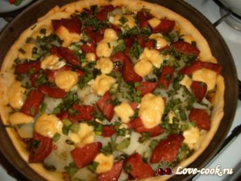 Пицца с картофелем и овощным рагу