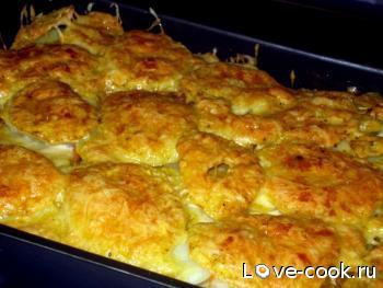 Картофельная запеканка с куриной грудкой и лисичками